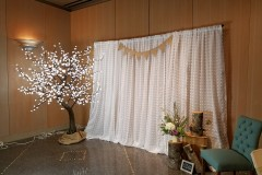 7' White Crystal Photo Booth